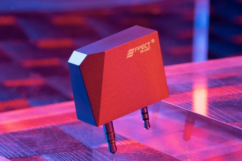 Effect Audio AKA Balance: адаптер для подключения наушников с разъемом Pentaconn 4,4 мм к плеерам Astell&Kern