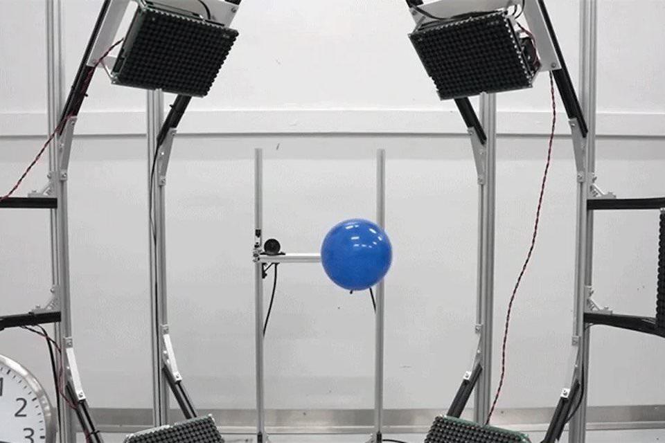 Управление движением с помощью ультразвука позволит взаимодействовать с настоящими объектами в виртуальной реальности