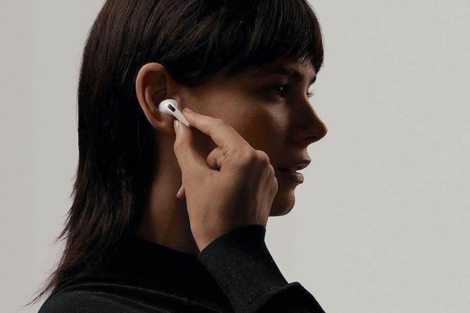 Слухи: сервис Netflix начал тестировать функцию пространственного звучания для наушников AirPods Pro и AirPods Max