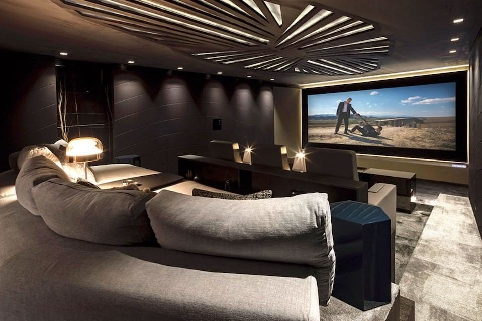 Ведущие производители кинотеатрального оборудования подхватили тренд на частные просмотровые залы