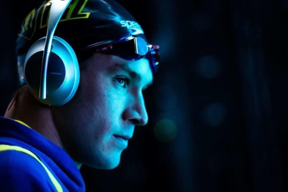 Исследование: прослушивание музыки улучшает показатели спортсменов