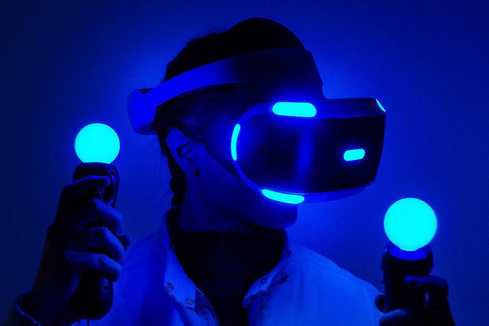 Sony анонсировала обновленный VR-шлем для PlayStation 5