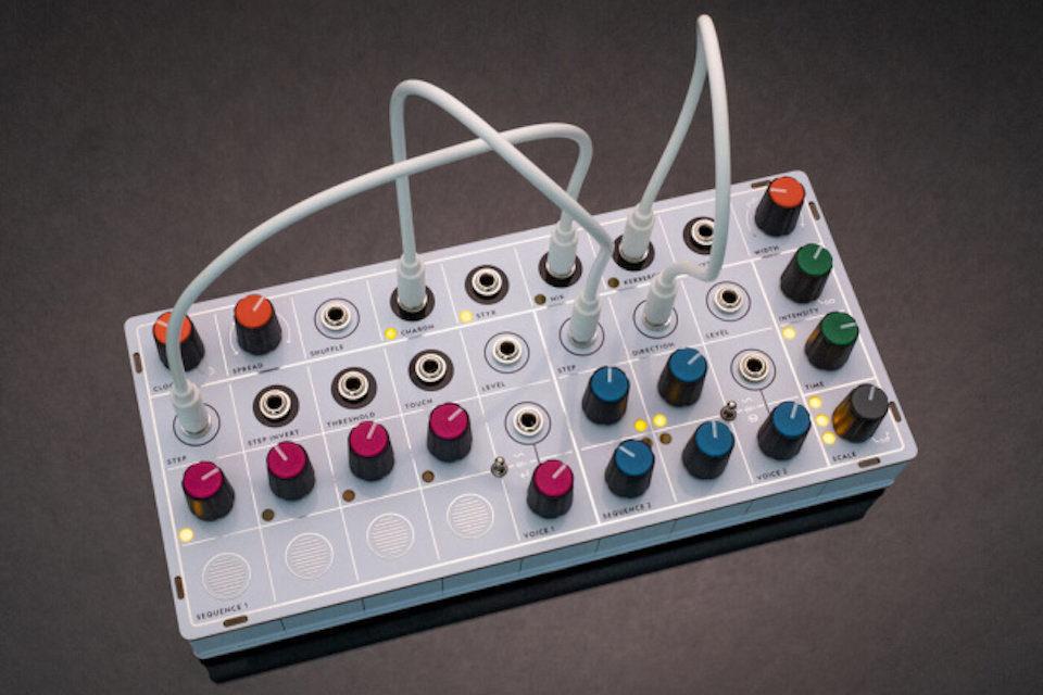 Модульный синтезатор Modern Sounds Pluto: пять источников модуляции для двух голосов с дилеем в компактном корпусе
