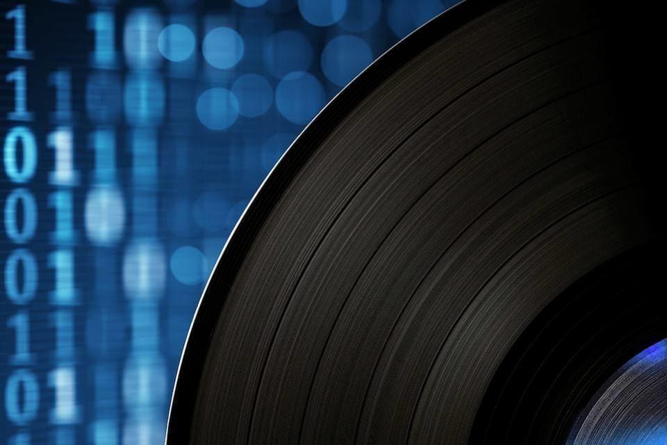 Tidal начнет стримить винил в разделе Mastered for Vinyl