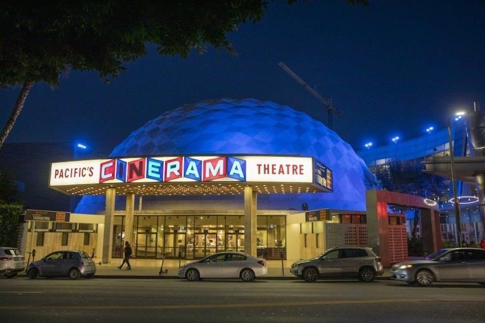 Лос-Анджелес вслед за Нью-Йорком решил постепенно открывать кинотеатры