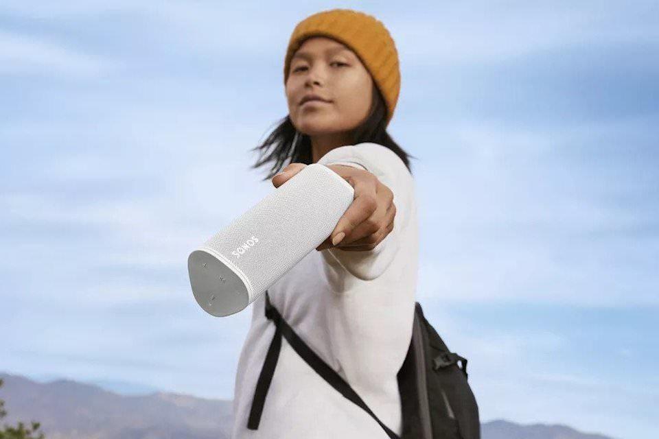 Портативная колонка Sonos Roam: водозащита IP67, батарея на 10 часов и автоподстройка звучания