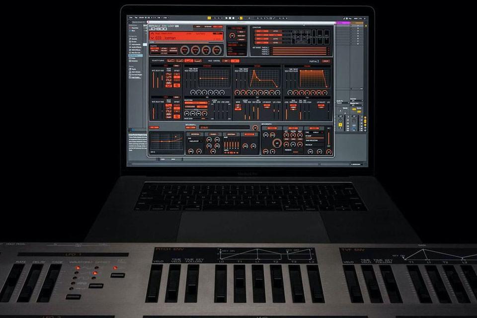 Roland перевыпустила синтезатор JD-800 в цифровом формате
