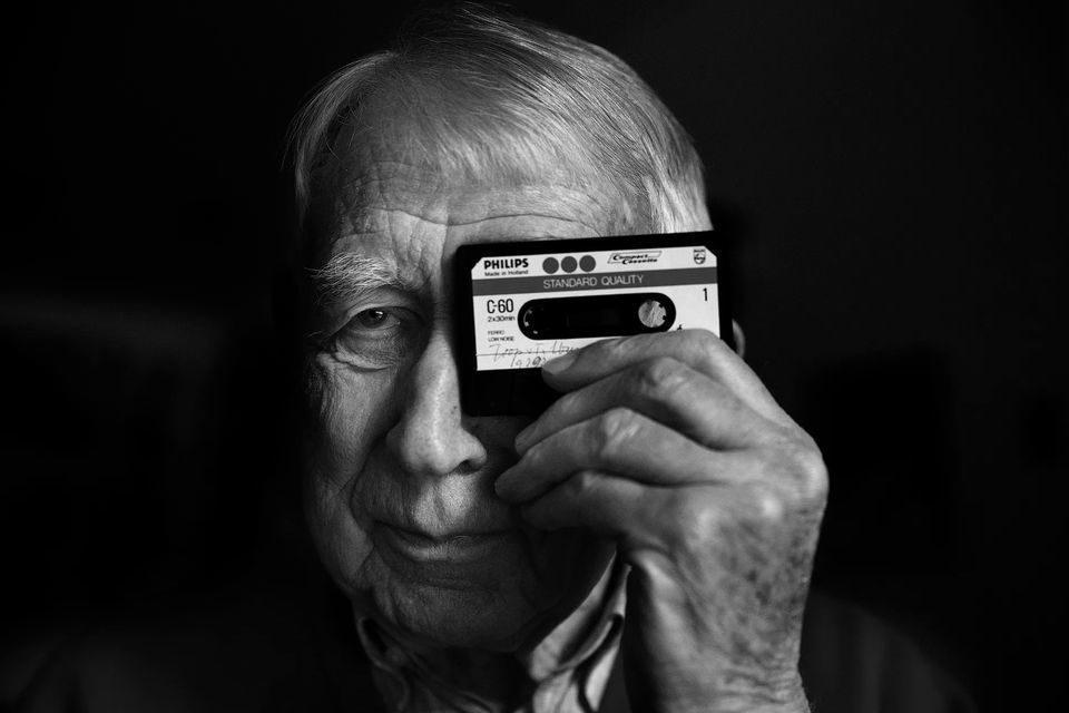 Умер изобретатель аудиокассеты и компакт-диска Лодевейк Оттенс