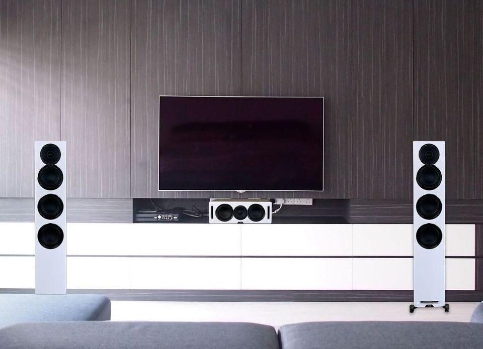Акустика ELAC Uni-Fi Reference: обновленные коаксиалы и алюминиевые низкочастотники