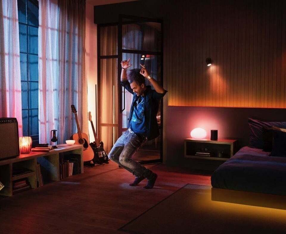 Лампочки Philips Hue научились синхронизироваться со Spotify