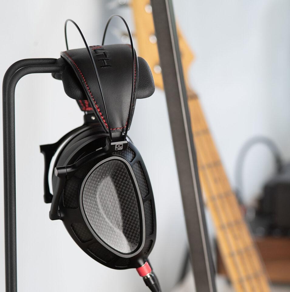 Dan Clark Audio Stealth: первые закрытые планары в системе AMRS