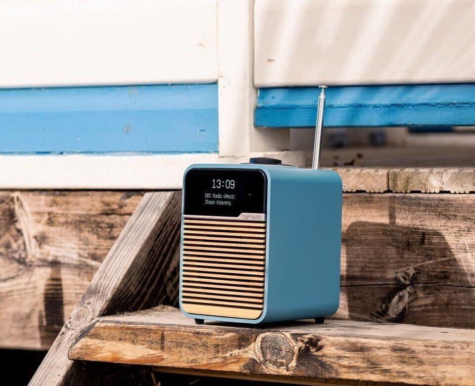 Радио Ruark R1 вышло в лимитированной пляжной расцветке Beach Hut Blue