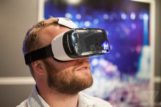 Samsung Geag VR: смартпэд Note 4 становится дисплеем виртуальной реальности