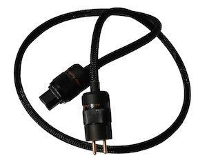 Akiko Audio выпустила силовые кабели HQ с двойным экранированием