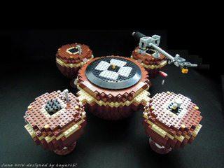 Из конструктора Lego собрали виниловый проигрыватель