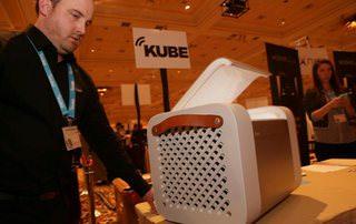 На CES 2015 представили портативную Buetooth-акустику-холодильник Kube