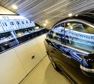 В московской галерее Hyundai MotorStudio инсталлировали профессиональные дисплеи от LG