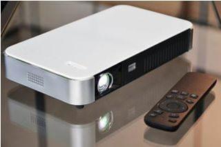 DreamVision Dreamy Geek II: портативный светодиодный проектор на базе ОС Android