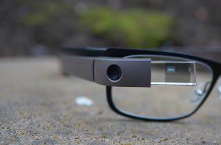 Google вскоре может запустить новую версию очков Google Glass