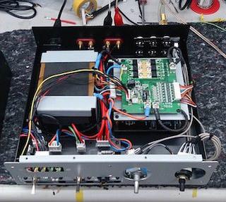 Стоваттный усилитель Phyllis One заработает от литиевой батареи
