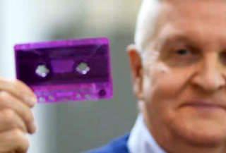 Десять миллионов аудиокассет было продано в прошлом году