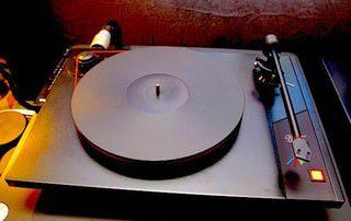 Музыкальный лейбл Mobile Fidelity вышел на рынок проигрывателей винила с двумя моделями Studio Deck и Ultra Deck