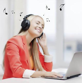 Прослушивание музыки на работе снижает продуктивность
