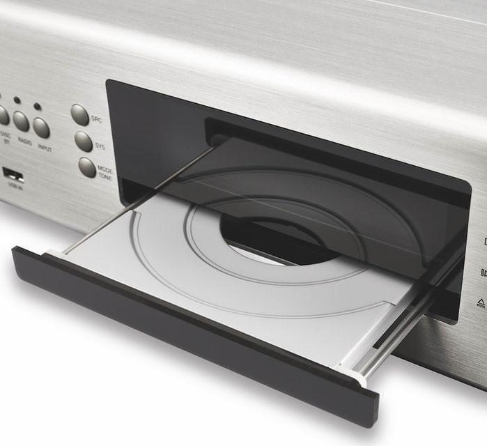 T+A выпустила универсальный источник MP 1000 E с поддержкой стриминга и CD-приводом