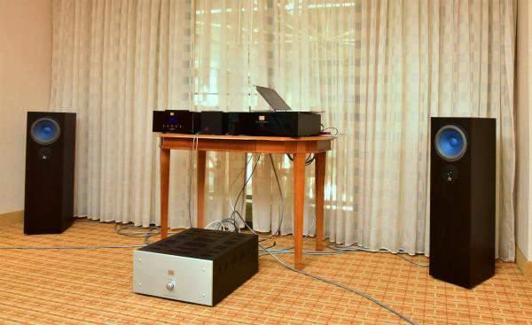 Новинки от Audio Note: интегрированный усилитель Cobra и акустика AZ Two