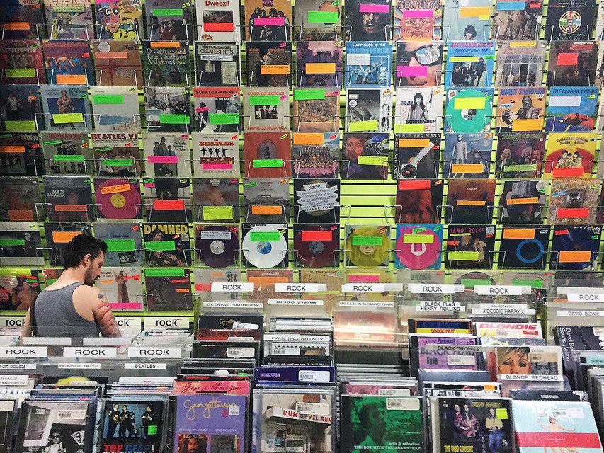 Отчет RIAA за 2015 год: продажи CD сильно упали, а SACD и DVD-Audio — выросли