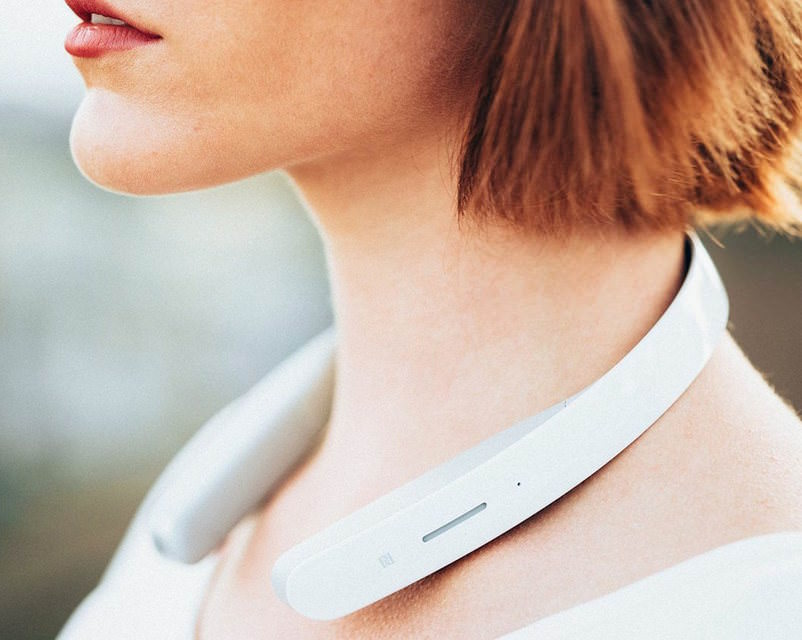 Sony разработала «наушники, которые не надевают на уши»