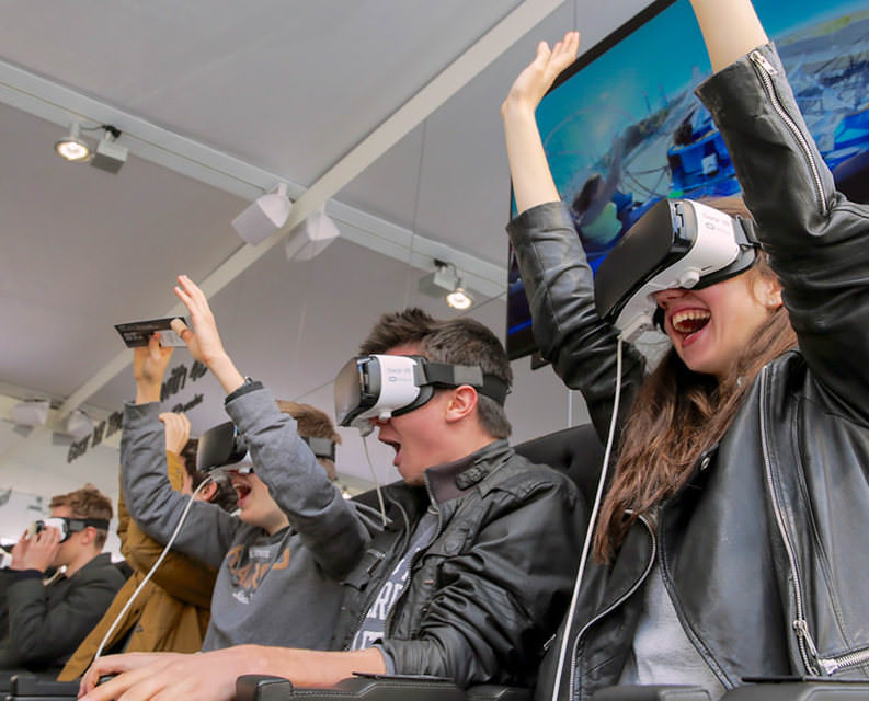 Samsung открыла первый в России VR-кинотеатр