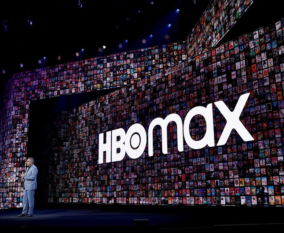 Warner Bros продолжит стратегию одновременного релиза фильмов на стриминге и в кинотеатрах до конца 2022 года