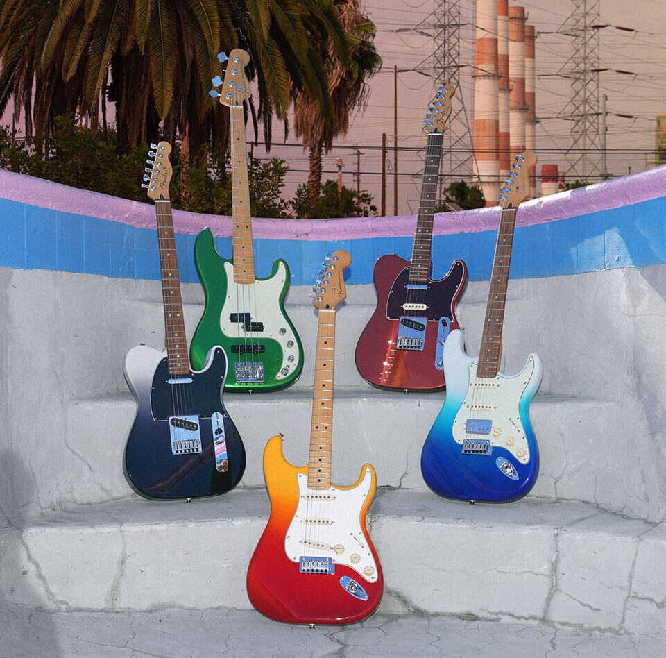 Обновленная серия гитар Fender Player Plus: улучшенные звукосниматели Noiseless, локовые колки и яркие расцветки