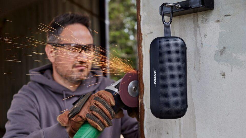 Bluetooth-колонка Bose SoundLink Flex: умная подстройка звука PositionIQ и защита IP67