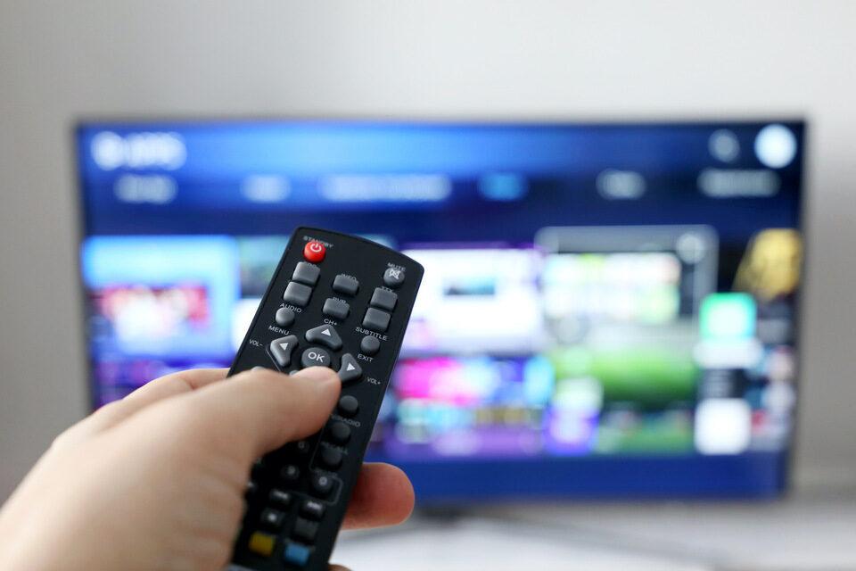 Отчет Parks Associates: доля смарт-телевизоров, умных колонок и дисплеев в США превысила 50%