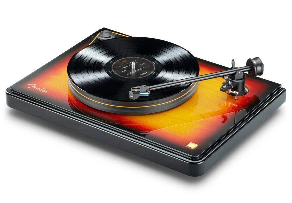 MoFi и Fender выпустили LP-проигрыватель PrecisionDeck с основанием из лакированного болотного ясеня