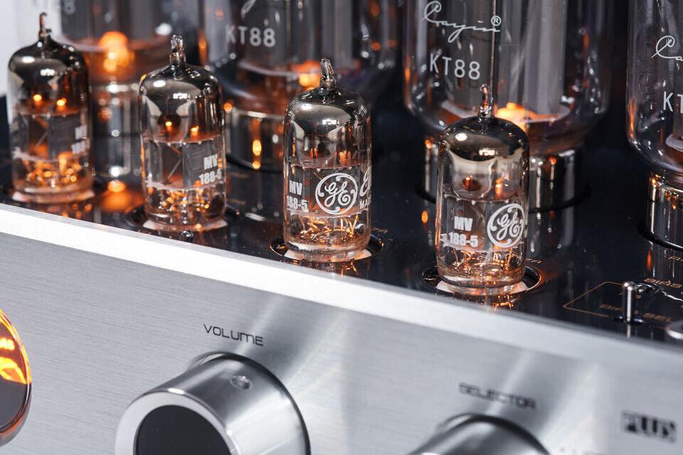 Интегральники Cayin MT-35 MK2 PLUS, MT-50 PLUS и MA-80 Selection PLUS вышли с лампами GE NOS