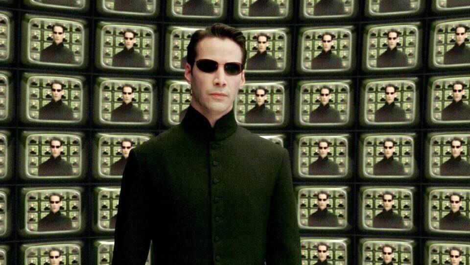 Сайт с тизерами к фильму «Матрица: Воскрешение» научили генерировать тысячи коротких роликов с разными кадрами
