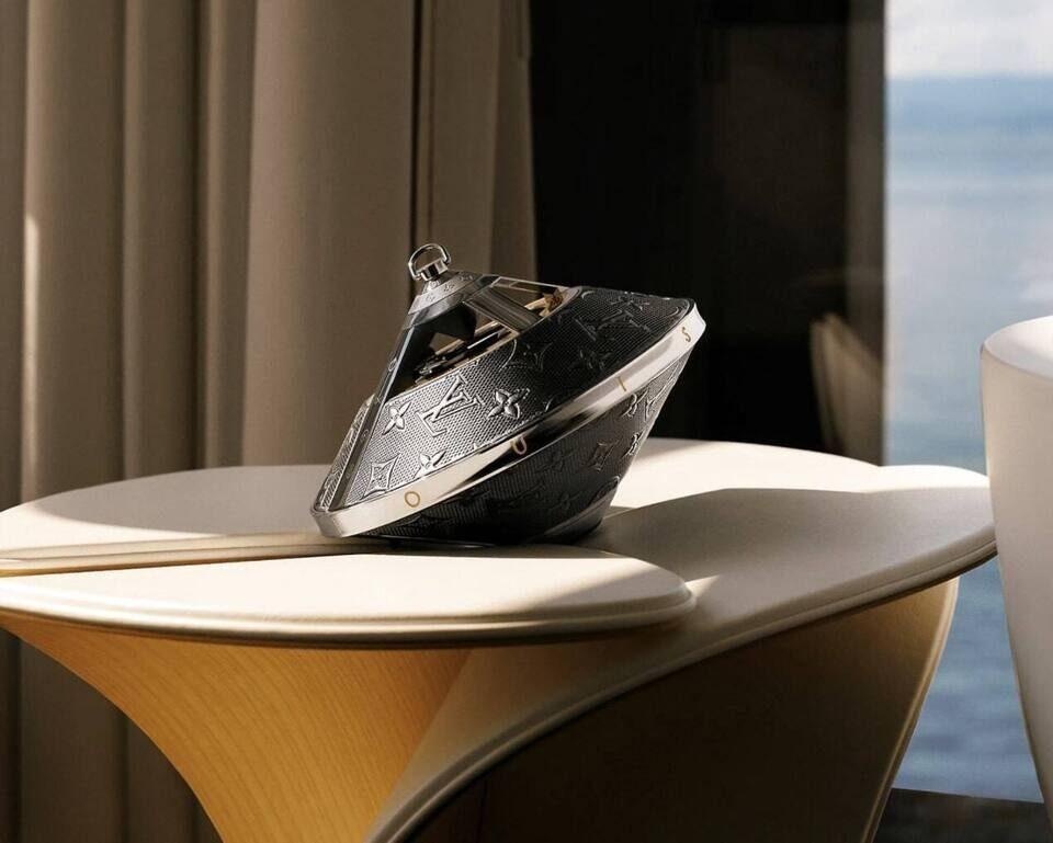 Bluetooth-портатив Louis Vuitton Horizon Light Up: стекло, нержавеющая сталь, кожа и AirPlay 2