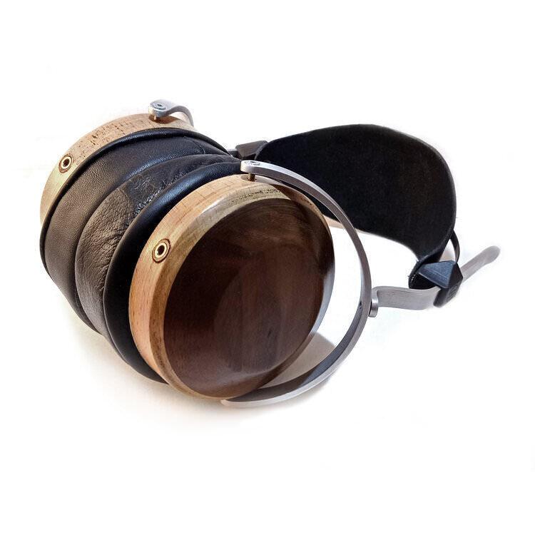 Наушники Hyland Headphones Eclipse и Venus: закрытые и открытые деревянные корпуса ручной работы