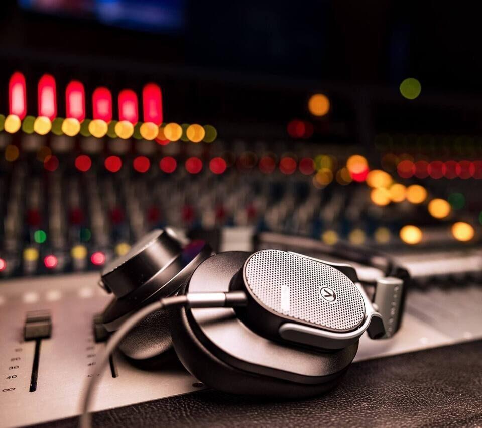 Открытые наушники Austrian Audio Hi-X65: магнитные системы с самым сильным полем в своем классе