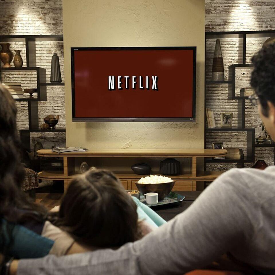 Netflix поделилась данными о самых просматриваемых фильмах и сериалах