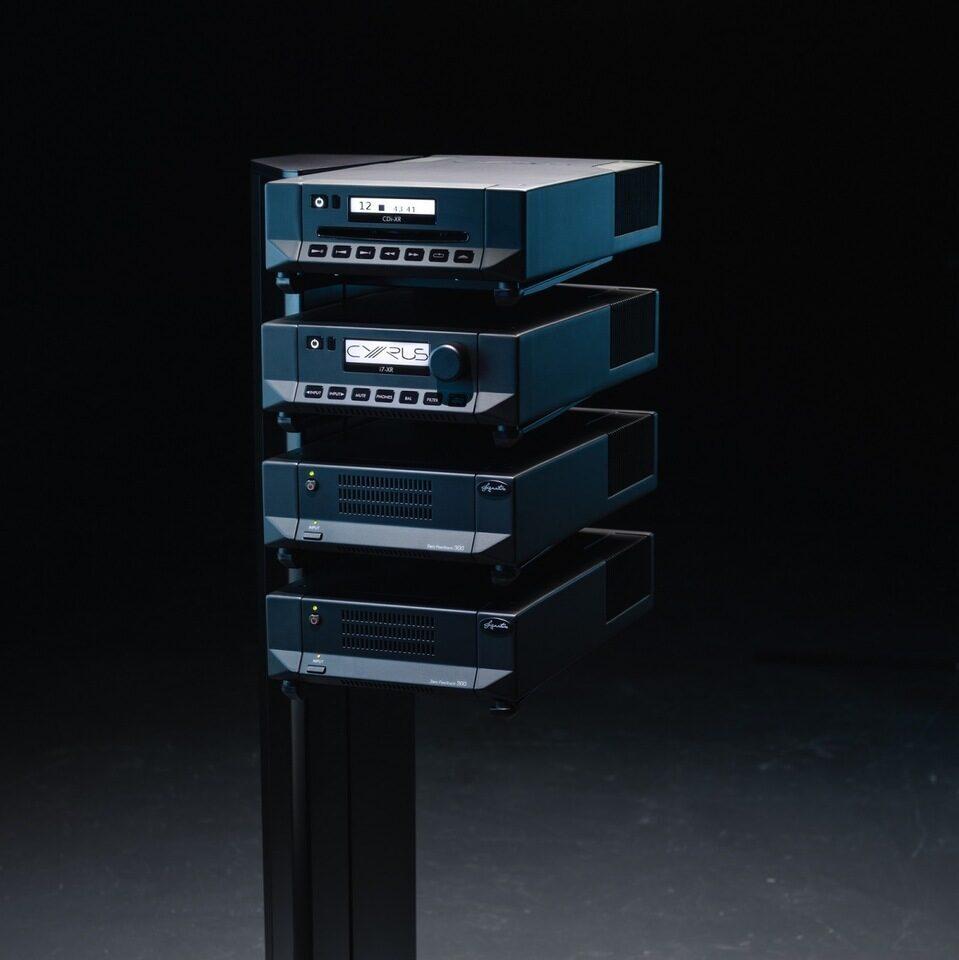 Стойка Cyrus HARK III XR для компонентов XR: покрытие Cyruthane и удобный кабельный канал