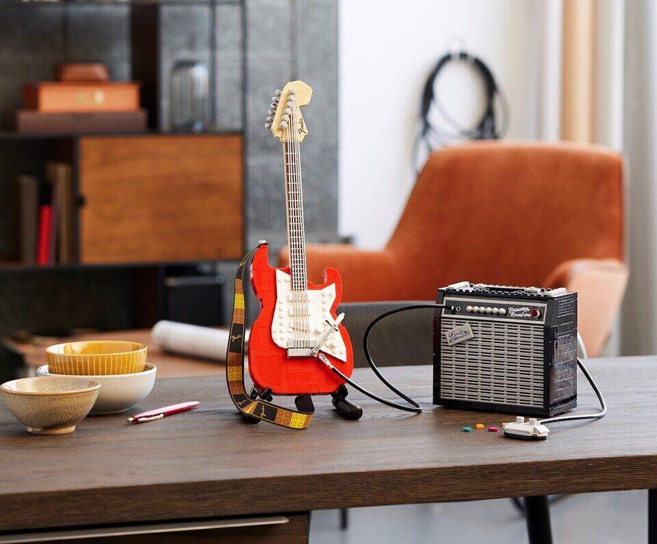 Lego выпустила гитарный набор Fender Stratocaster