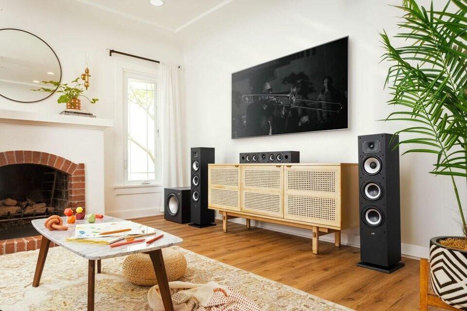 Акустика Polk Audio Monitor XT: бюджетные сабвуфер и семь колонок с сертификатом Hi-Res Audio